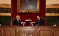 Los presidentes de la RANME y Farmaindustria, Eduardo Díaz Rubio y Juan López Belmonte (Foto. Farmaindustria)