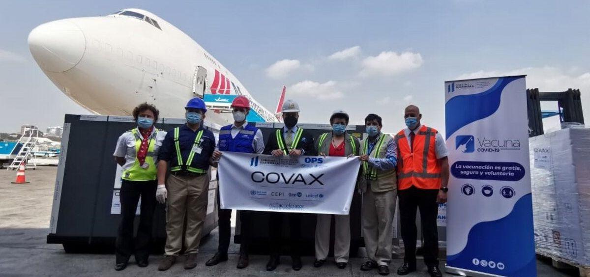 El Gobierno de Guatemala recibe dosis de las vacunas a través de COVAX, donadas por Estados Unidos (Foto. OPS)