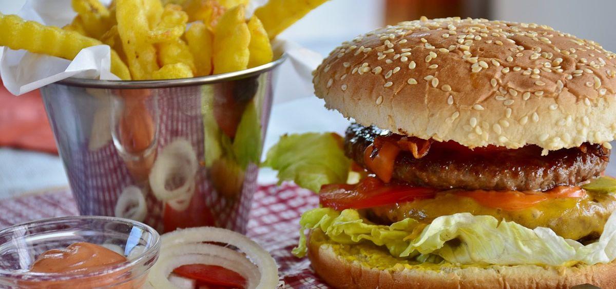 Una dieta poco saludable perjudica la salud mental. (Foto. Pixabay)