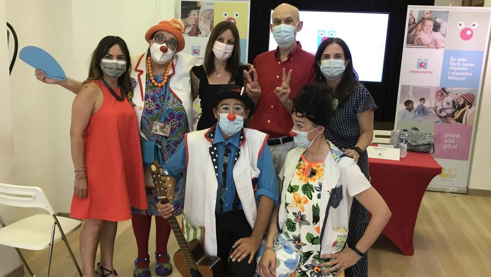 Payasospital lleva sus sonrisas a las casas de los niños enfermos