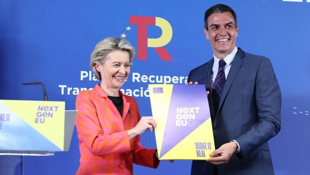 Ursula von der Leyen, presidenta de la Comisión Europea, junto a Pedro Sánchez, presidente del Gobierno, presentando el plan (Foto: Pool Moncloa / Fernando Calvo)