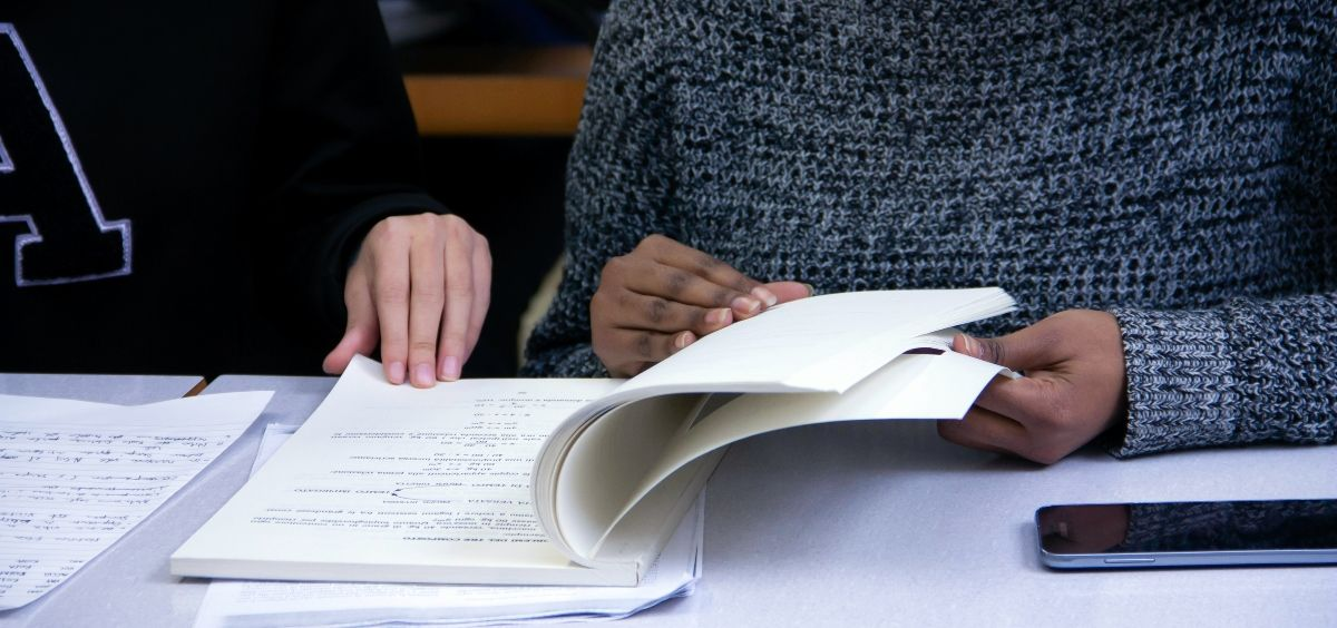 Alumnos en curso preparatorio del examen MIR. (Foto. Unsplash)