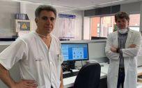 Los doctores Enrique Bernal y Alfredo Minguela, del Instituto Murciano de Investigación Biosanitaria (Foto: IMB)