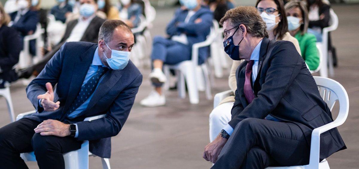 El presidente de la Xunta, Alberto Núñez Feijóo, y el consejero de Sanidad, Julio García Comesaña (Foto. EP)