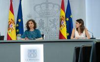 Los ministros de Justicia e Igualdad, Juan Carlos Campo e Irene Montero, junto a la portavoz del Gobierno, María Jesús Montero (Foto: Pool Moncloa)
