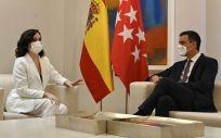 Pedro Sánchez e Isabel Díaz Ayuso debaten en el Palacio de La Moncloa (Foto: Pool Moncloa / Borja Puig de la Bellacasa)