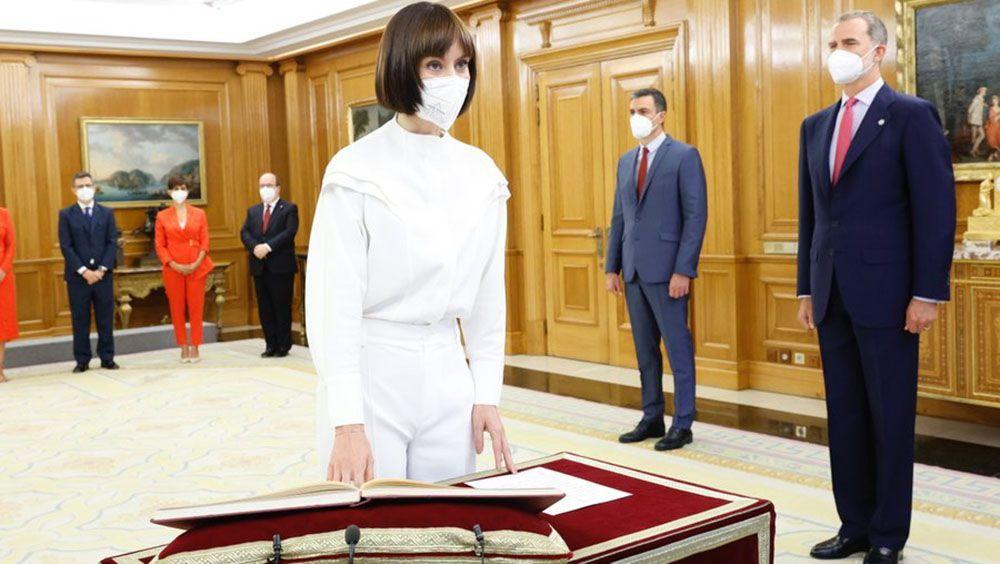 Diana Morant promete su cargo como nueva ministra ante el Rey