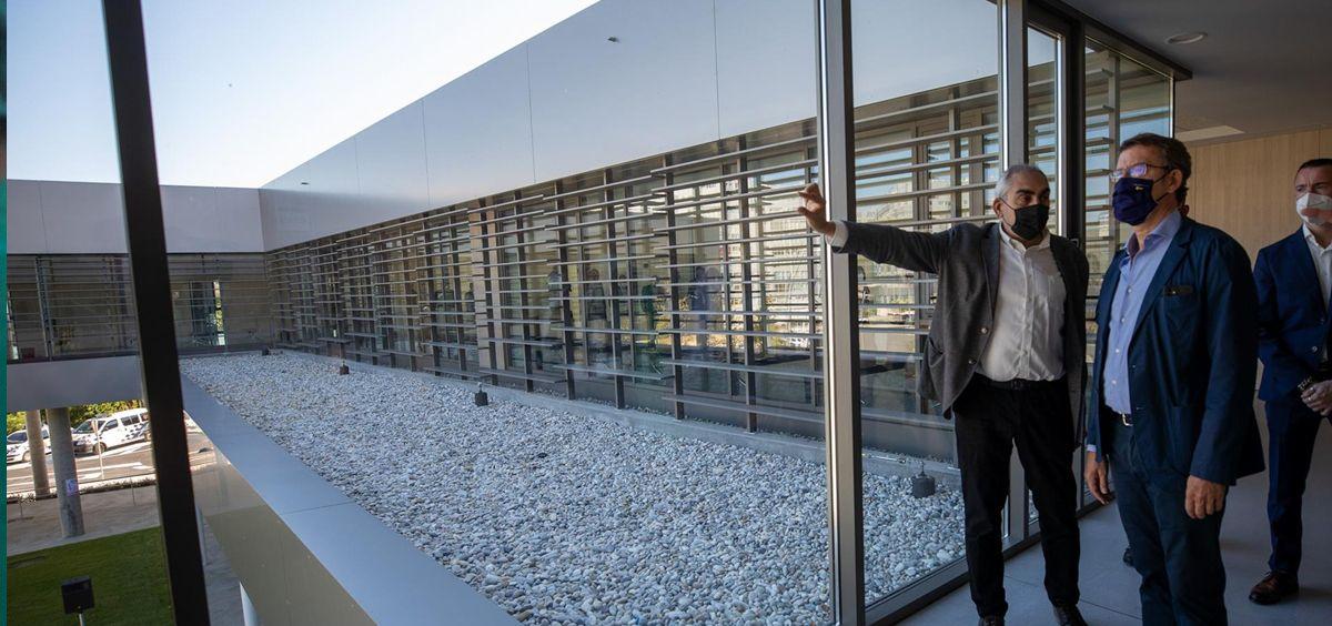 El presidente de la Xunta, Alberto Núñez Feijóo, en una visita a Narón (A Coruña). (Foto. ANA VARELA, XUNTA)