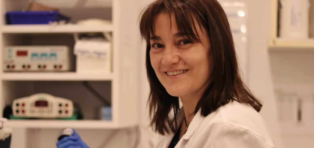 La investigadora África Holguín del CIBERESP y del IRYCIS (Foto: IRYCIS-CIBERESP)