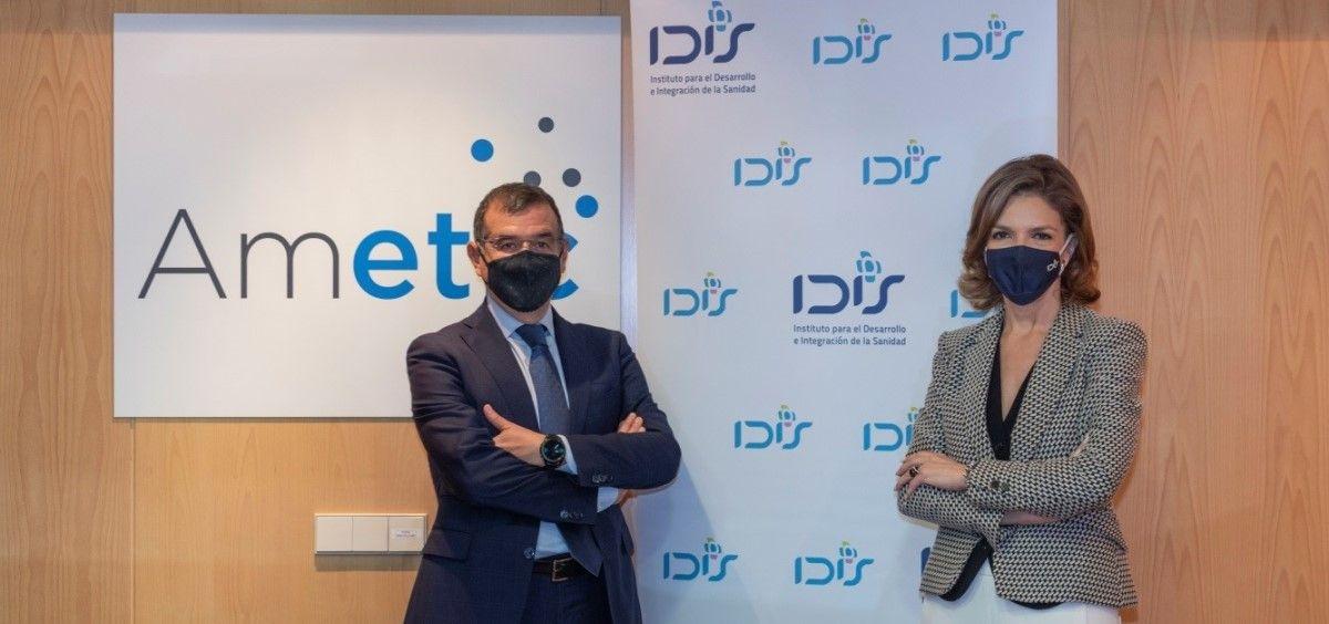 Francisco Hortigüela, director de Ametic y Marta Villanueva, directora de la Fundación IDIS. (Foto. Fundación IDIS)