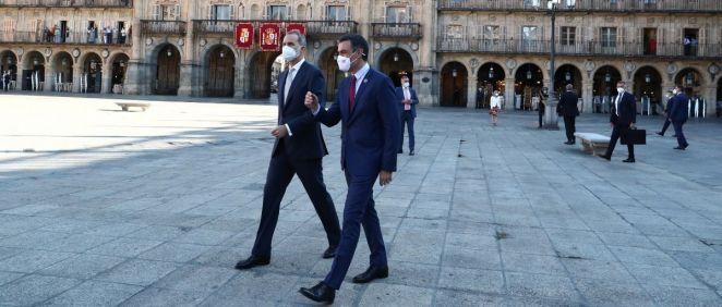 Pedro Sánchez junto a Felipe VI, antes de la Conferencia de Presidentes (Foto: Pool Moncloa / Fernando Calvo)