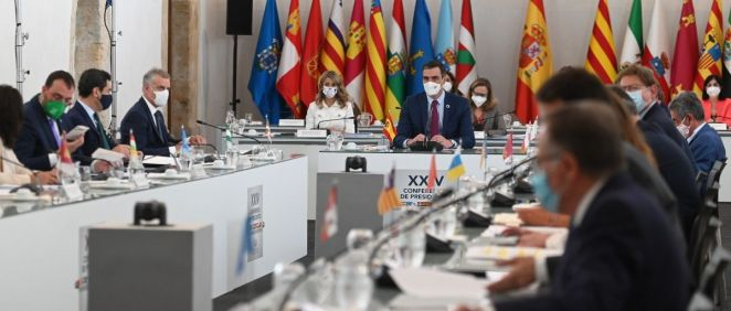 Reunión de la Conferencia de Presidentes, antes de su inicio (Foto: Pool Moncloa / Borja Puig de la Bellacasa)