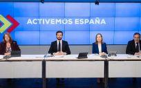 El líder del PP, Pablo Casado, junto a Elvira Rodríguez, Ana Pastor y Enrique López que coordinarán las medidas económicas, sanitarias y jurídicas del PP en la desescalada. Madrid, 12 de mayo de 2020 (Foto de Archivo  PP)