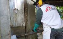 Fumigación contra el Dengue en Honduras. (Foto. Yves Magat. MSF)