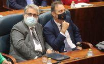 Eduardo Raboso, en el centro de la imagen, nuevo portavoz de Sanidad del PP en el Senado (Foto: PP Asamblea)