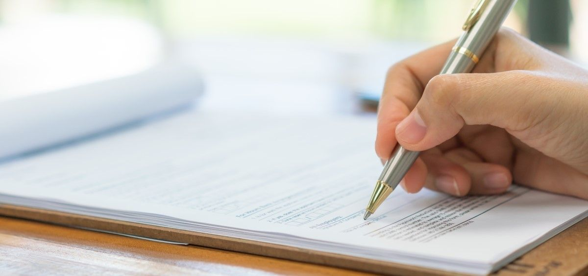 Un alumno realizando un examen. (Foto. Freepik)