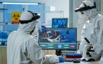 Científicos trabajando en un laboratorio (Foto. Freepik)