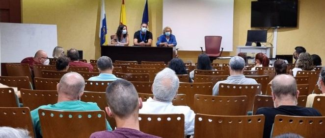 Reunión por la erupción volcánica del Comité de Emergencias del Hospital de La Palma. (Foto. Gobierno de Canarias)