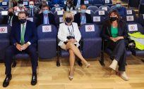 La delegada de la Junta en Soria, Yolanda de Gregorio (izq), Fernández, Casado y Repollés (drcha) en una jornada sobre la Sanidad en el medio rural (Foto: EP)