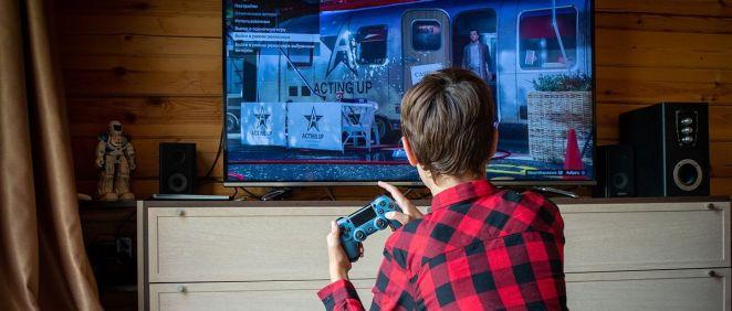 Niño jugando a videojuegos (Foto: Pixabay)
