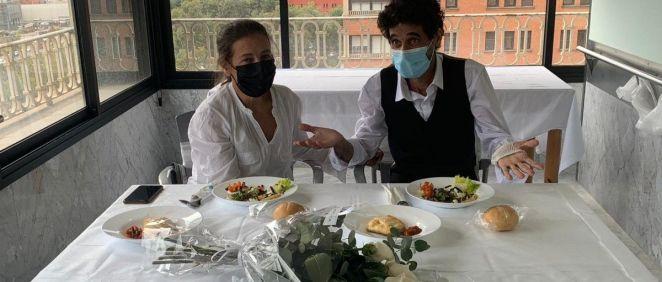 Francisco, paciente ingresado en Neumología, se ha casado con su pareja en el Vall d'Hebron. (Foto. Vall d'Hebron)