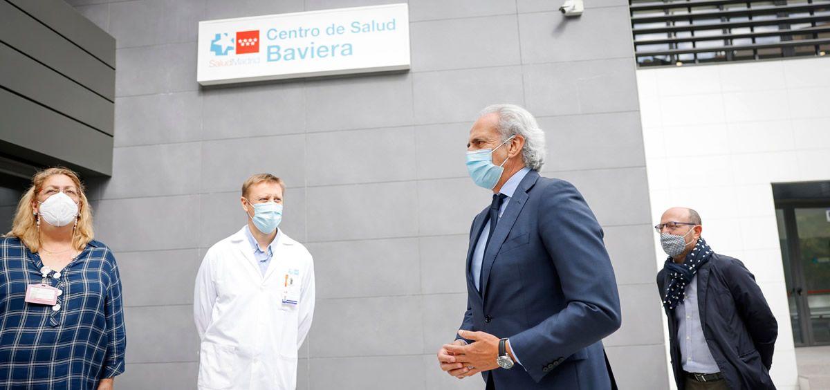 El consejero Enrique Ruiz Escudero, en la inauguración del Centro de Salud Baviera. (Foto. Comunidad de Madrid)