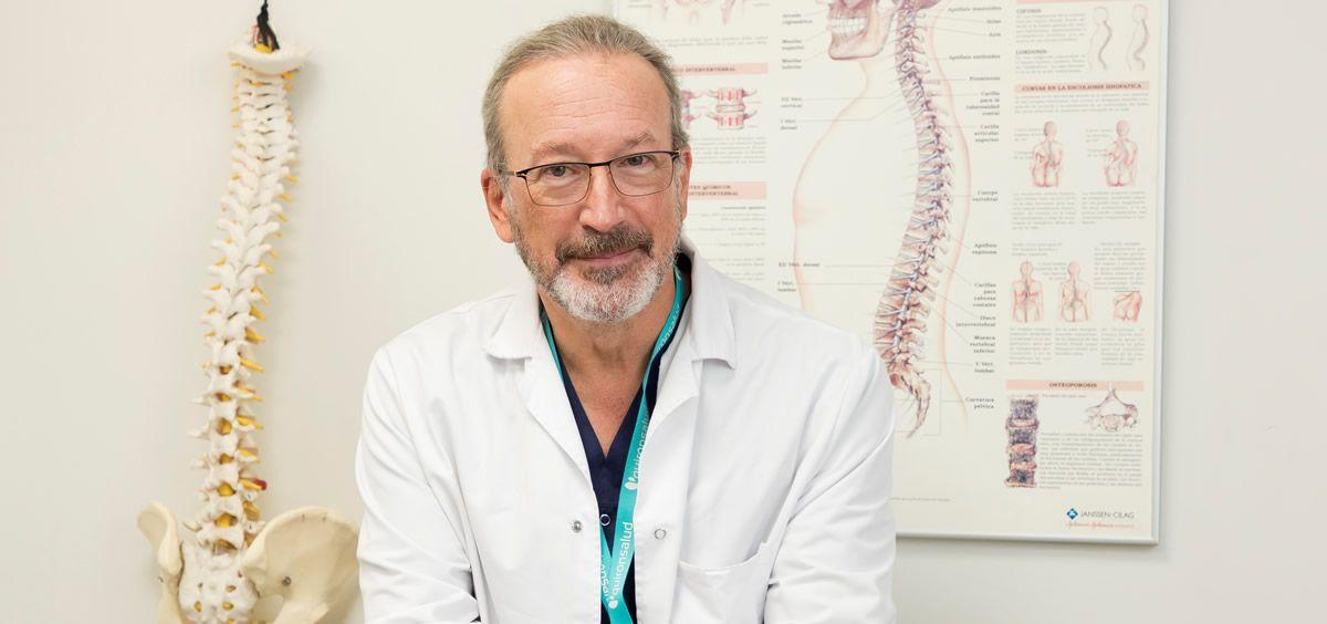 El doctor Alfonso Vidal, jefe de las Unidades del Dolor de los Hospitales La Luz, Sur y Valle del Henares (Quirónsalud)