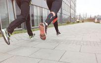El deporte y el ejercicio generan unas proteínas que ayudan a frenar el crecimiento de los tumores (Foto. Freepik)