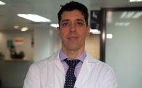 El doctor Gonzalo Samitier, cirujano ortopédico especializado en rodilla, hombro y lesiones deportivas de Centro Médico Quirónsalud Aribau (Foto: Quirónsalud)