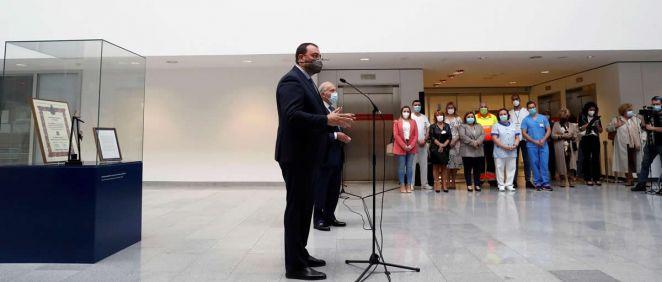 El presidente de Asturias, Adrián Barbón, en el Hospital Universitario Central de Asturias (HUCA) (Foto: Gobierno de Asturias)