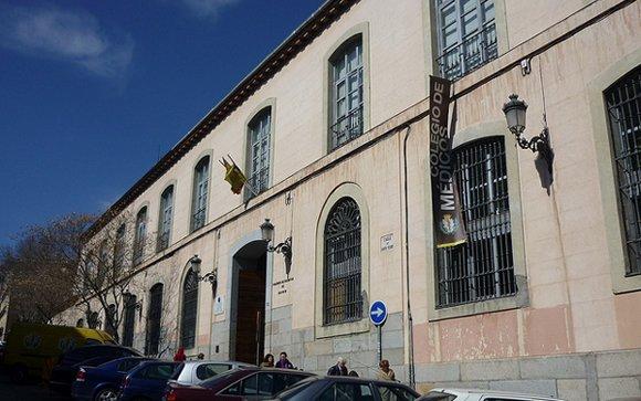 El Colegio de Médicos de Madrid apoya a los mayores y discapacitados