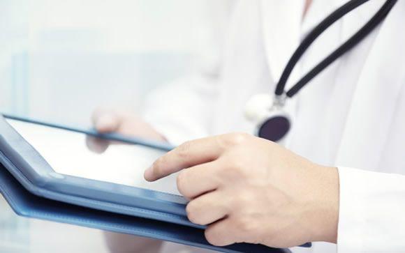 Las redes sociales se convierten en caldo de cultivo para las agresiones a médicos