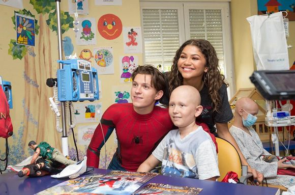 Spiderman, un superhéroe que apoya a los niños ingresados en el Niño Jesús