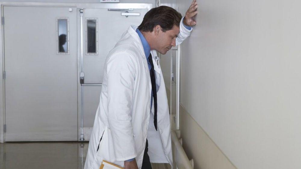 Las enfermedades profesionales de los sanitarios se duplican en los últimos siete años