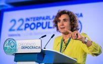 La ministra de Sanidad, Dolors Montserrat, durante un congreso del PP.