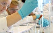 El equipo investigador determinó los niveles de esos dos microRNAs en los tumores de 148 pacientes de cáncer.