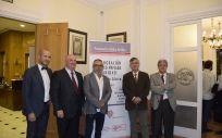 Alberto de la Rosa (segundo por la izquierda) con el resto de participantes en la presentación del libro