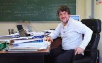 Juan Luis Fernández-Martínez, profesor de la Universidad de Oviedo, afirma que el descubrimiento de las sinergias de los genes permitiría llegar a las vacunas.
