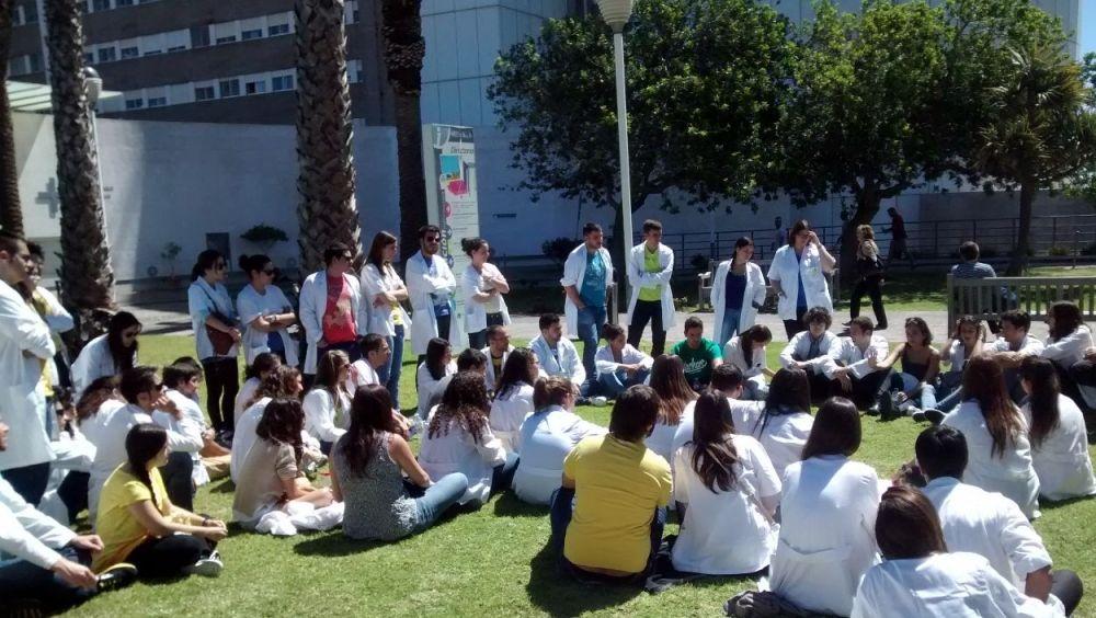 Los estudiantes se oponen a la apertura de nuevas facultades de Medicina.