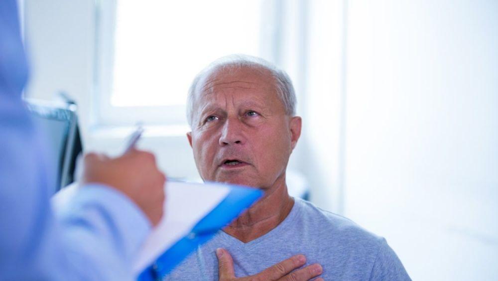 La HAP es de causa desconocida, aunque se relaciona en ocasiones con algunas enfermedades como lupus, VIH o con cardiopatías congénitas y es un trastorno potencialmente mortal .