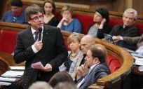 El presidente de la Generalitat, Carles Puigdemont, comparecerá este martes en el Parlament, para aclarar las intenciones de su Gobierno