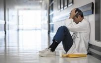 Los sanitarios han sufrido más de 36.000 accidentes de trabajo en lo que va de 2017