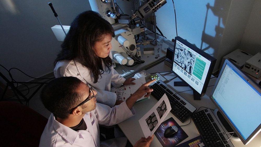 El uso de nanomateriales presenta muchas ventajas, entre ellas su capacidad de transporte de moléculas con actividad terapéutica.
