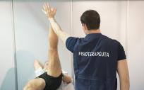 Los Fisioterapeutas estudiarán las características de cada paciente para establecer un programa adaptado (Foto. ConSalud)
