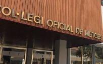Los médicos catalanes apoyan a la Generalitat y llaman al diálogo entre las instituciones de Cataluña y el Gobierno central.