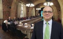 Javier Urzay, subdirector general de Farmaindustria, ha participado en el XIV Seminario Industria Farmacéutica y Medios de Comunicación.