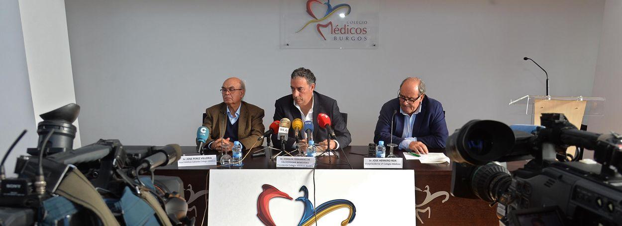 De izq. a drcha.: José Pérez Viloria, Joaquín Fernández de Valderrama y José Herrero.