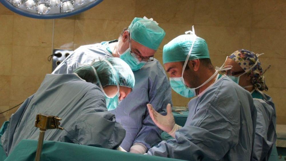 Las jubilaciones masivas de médicos agravarán la escasez de profesionales en numerosas autonomías