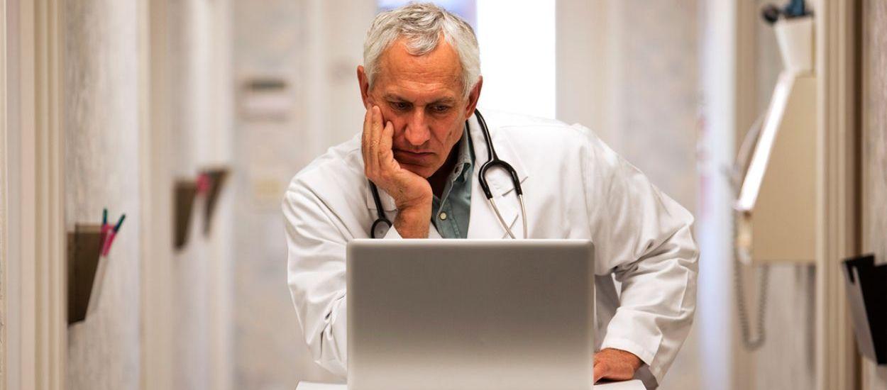 Según el INE, el 28% de los médicos españoles tiene entre 55 y 64 años