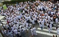 Los médicos señalan que la forma que en la que se adoptarán las protestas está aún por concretar